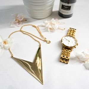 Lovisa Gold Geometric Triangle Statement Necklace